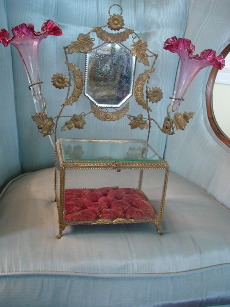 Victorian Brides Box, Wedding Box w/cranberry flutes