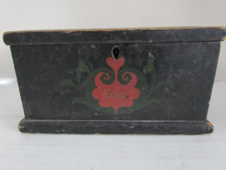 AN EARLY ,PENNSYLVANIA PAINT DECORATED MINIATURE BLANKET CHEST,LAURA