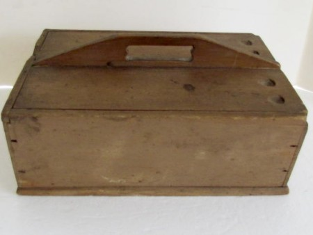 19th. century slide lid table box, attributed to the Enfield Shakers