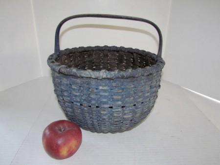 19th c.  heavy splint Taconic (N.Y.)  gathering basket in old /original dry blue paint