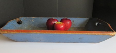 19TH CENTURY BLUE APPLE TRAY WITH HEART HANDLES