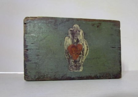 Wonderful Heart in Hand Slide Lid Box, 19th. century