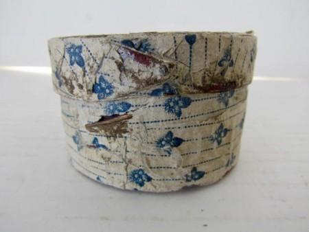 Small, 19th. century Round Fingered Wallpaper Box