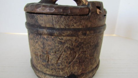 18th. century, American Burl Lidded Container