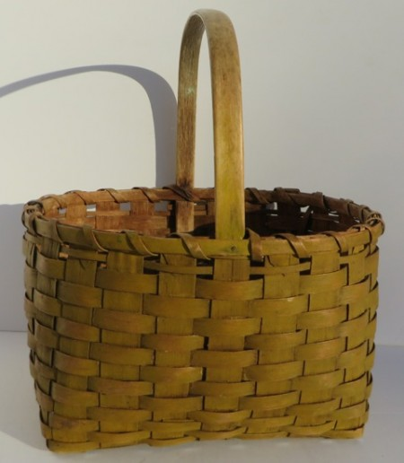 19TH CENTURY BERRY BASKET WITH OLD MUSTARD PAINT