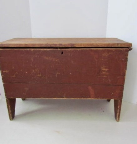 Late 18th/Early 19th. century Six Board Small Blanket Chest