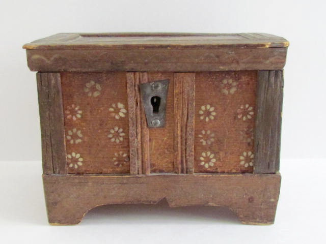 miniature_blanket_box