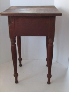 country_work_table_with_drawer