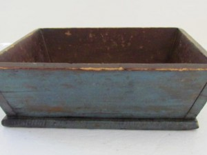 blue_painted_table_box