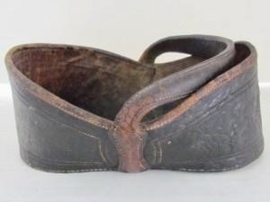 tooled_leather_key_bakset