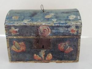 floral_painted_brides_box