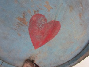 blue painted _keg_with_heart