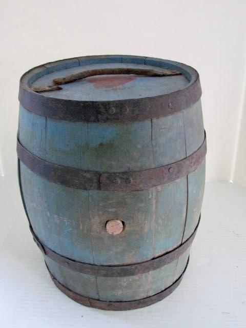 blue_painted_keg