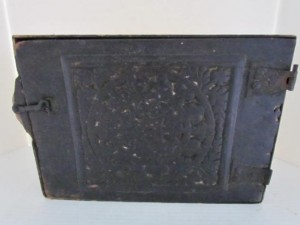 early_18th_century_wall_cupboard