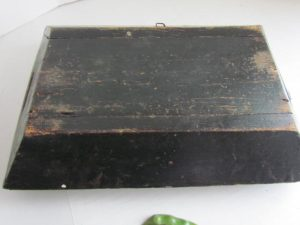 Pa. decorated_apple tray