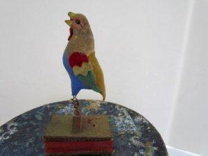 painted_felt_parrot