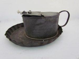 tin_betty lamp_with drip tray