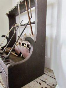 18th. century_pipe rack