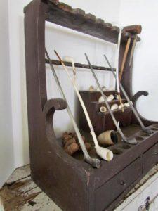 pipe holder