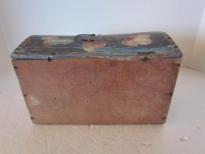 eARLY PAINTED DOCUMENT BOx
