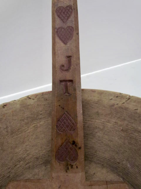 four carved hearts_spatula
