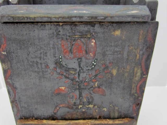 lift lid salt box