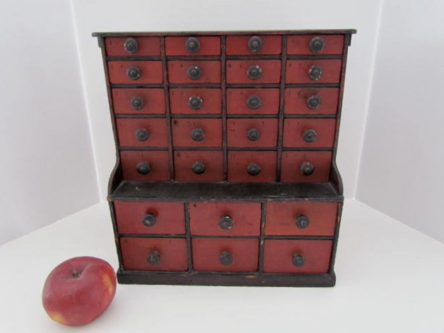 26 drawer_apothecary
